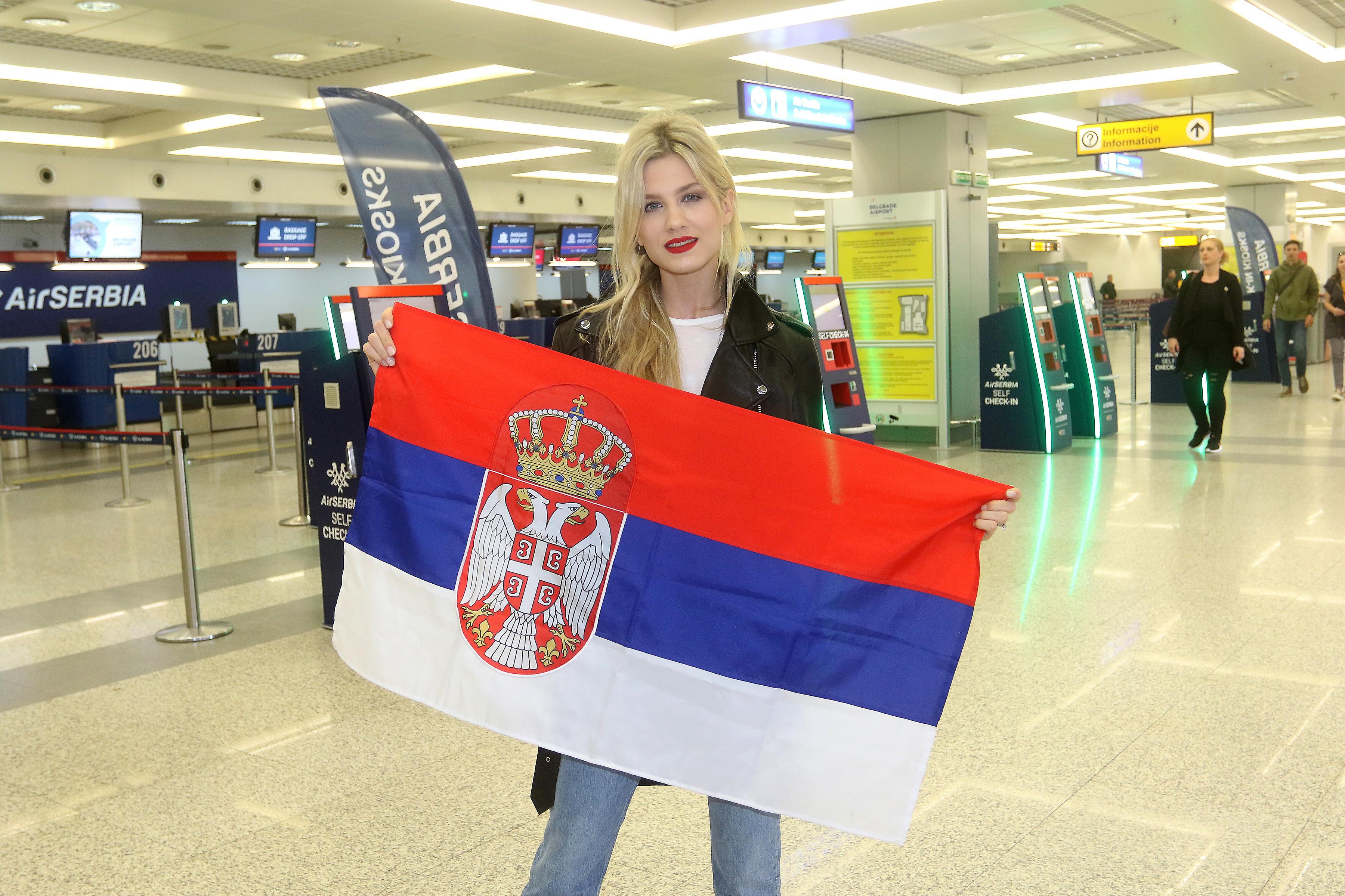 Nevena Božović i ekipa otputovali na Pesmu Evrovizije