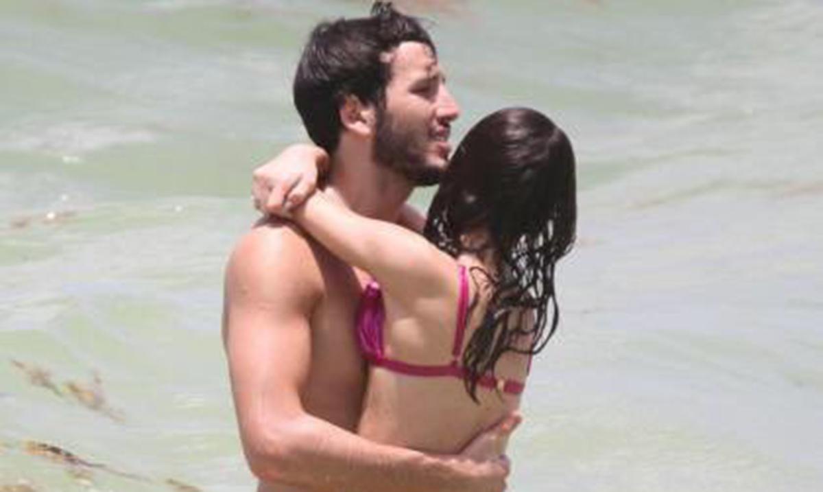 Sebastian i Tini uživaju na plaži!