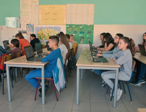 Još 20 računarskih kabineta za osnovce širom Srbije
