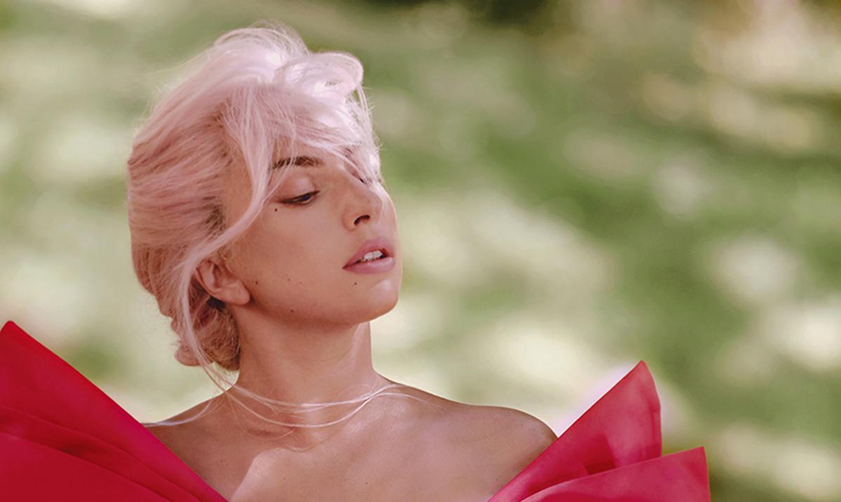 Lady Gaga je lice kampanje za parfem Voce Viva