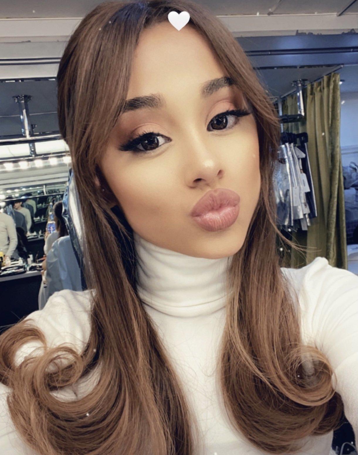 Ariana Grande najavila novi spot i promenila izgled!