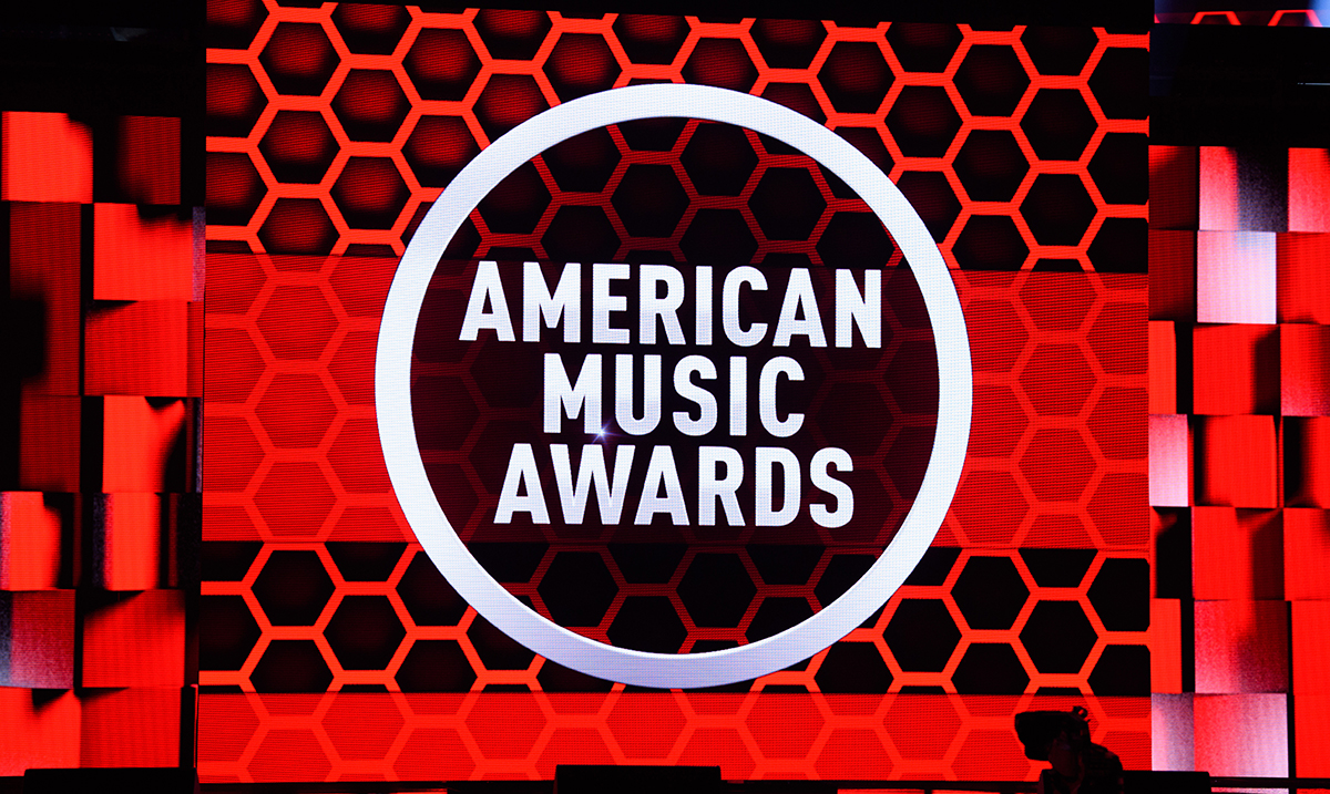 American Music Awards 2020: Trijumf Taylor Swift, vatreni nastup JLo i Malume