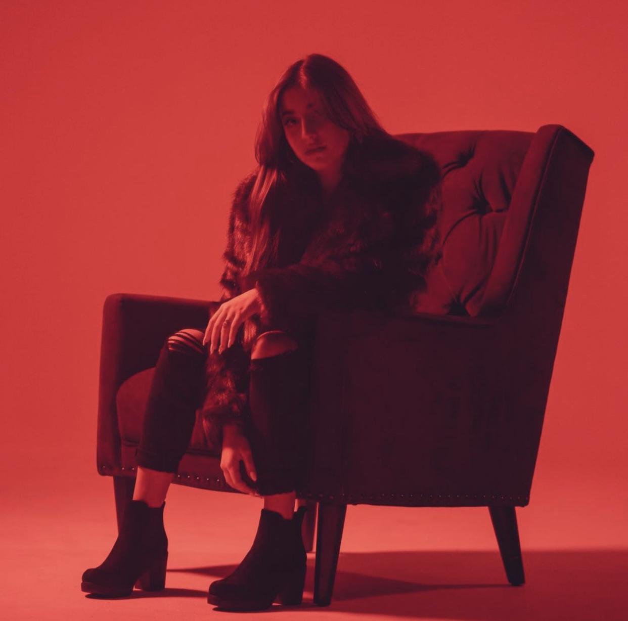 GiaNina objavila svoj debi singl, poslušajte ga!